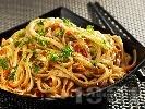 Рецепта Оризови нудълс с чушки, моркови и бамбук
